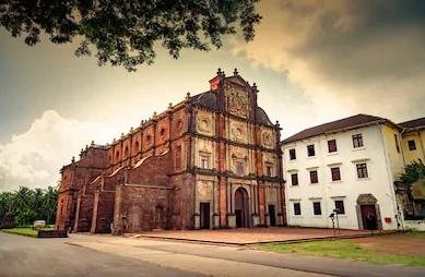 Basilica of Bom Jesus is church in Goa. BOM Basilica is one of the oldest Church in Goa.