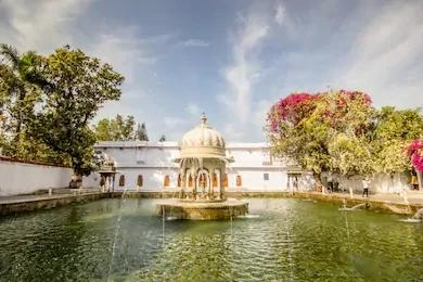 Udaipur's best places Saheliyon ki bari