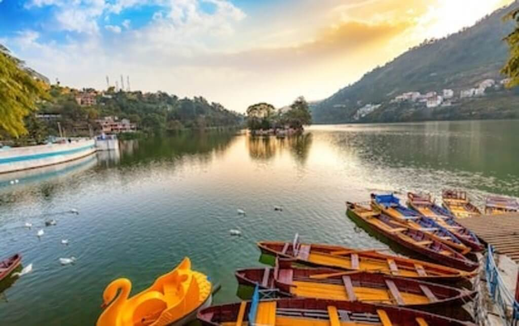 Nainital known for its Beauty. Best places in Uttarakhand for couples
