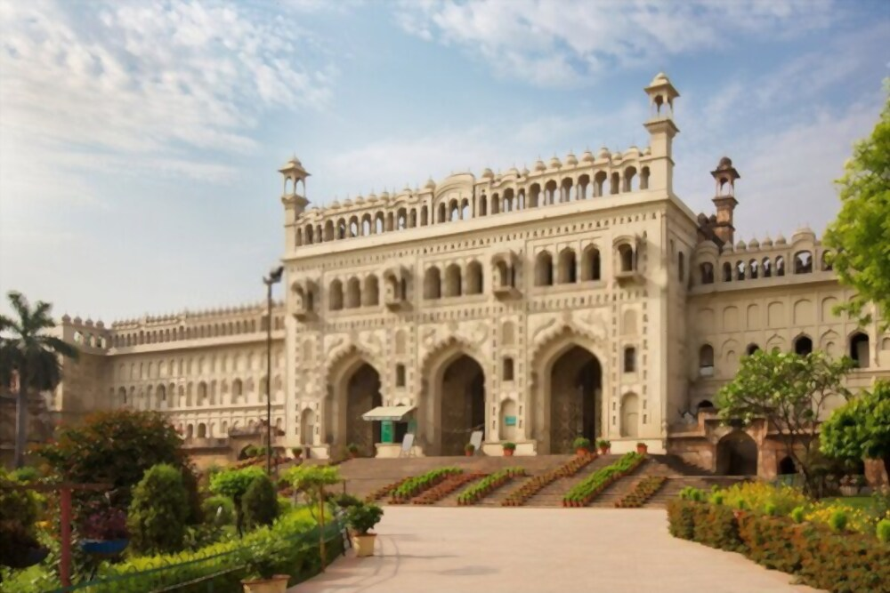 Bara Imambara is one of the best places to visit in Lucknow