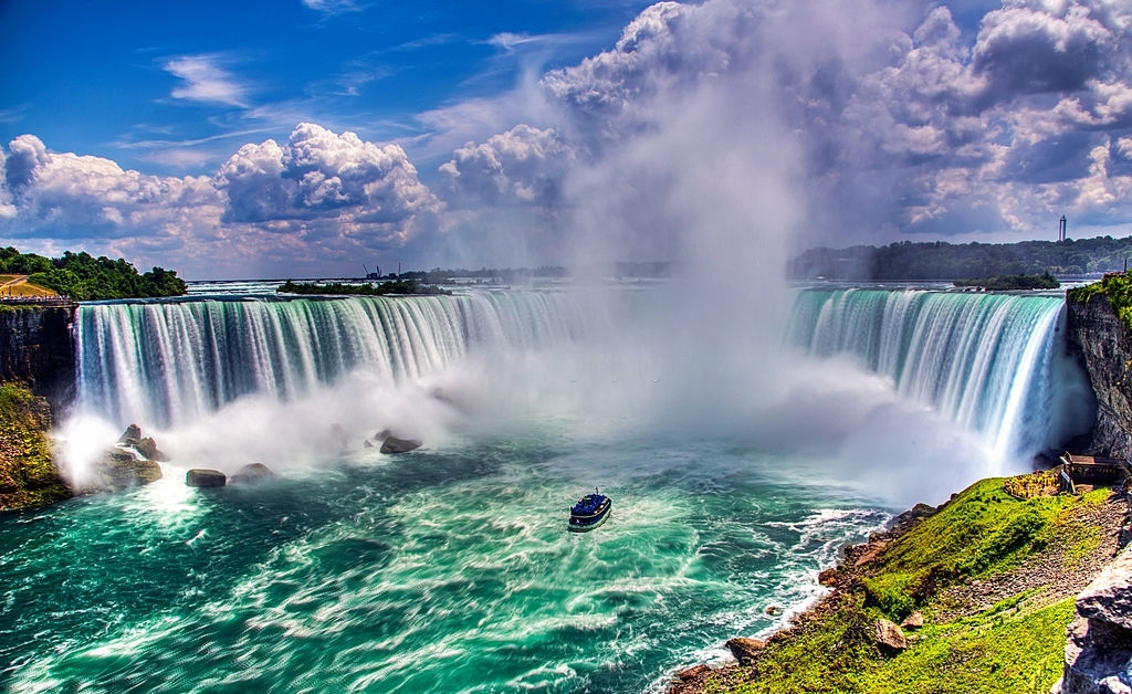 Niagara falls is among the most beautiful places to visit in New York State